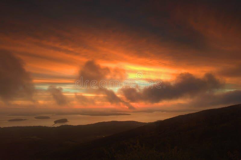 Reinigung-Sturm am Sonnenaufgang lizenzfreie stockfotos
