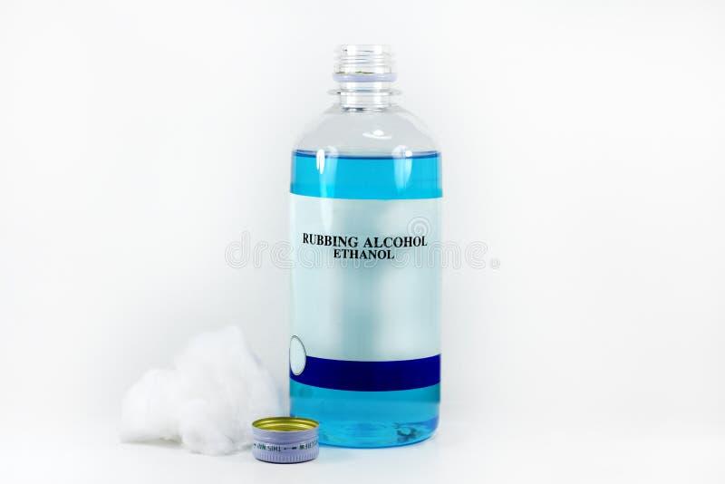 Reinigungsalkohol mit Baumwolle lizenzfreies stockfoto