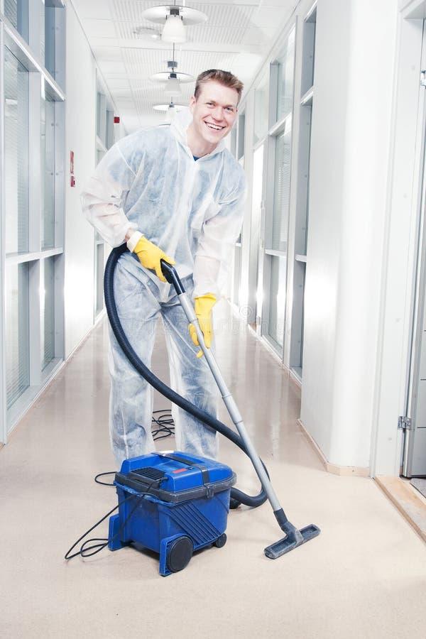 Reinigungsbüro mit Vakuum stockfotografie