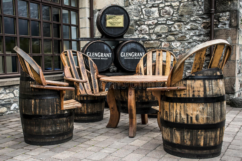 Reino Unido, Escócia 17 05 Mobília 2016 da produção da destilaria do uísque de Glen Grant Speyside Single Malt Scotch fotos de stock