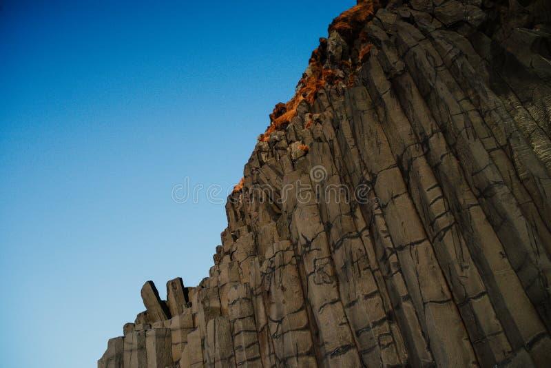 Reinsfjara strand, Island royaltyfri bild