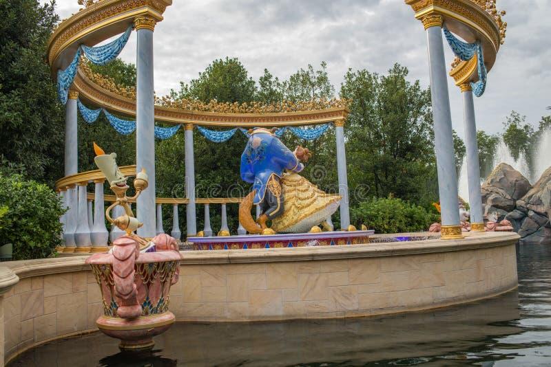 Reis aan Crystal Grotto in Shanghai Disneyland stock afbeeldingen