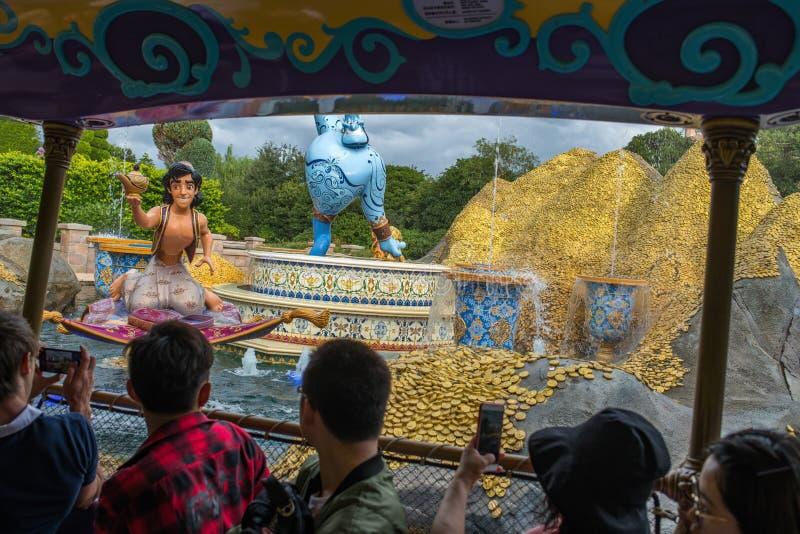 Reis aan Crystal Grotto in Shanghai Disneyland royalty-vrije stock foto
