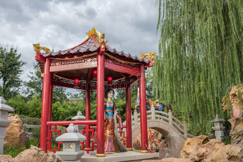 Reis aan Crystal Grotto in Shanghai Disneyland royalty-vrije stock fotografie
