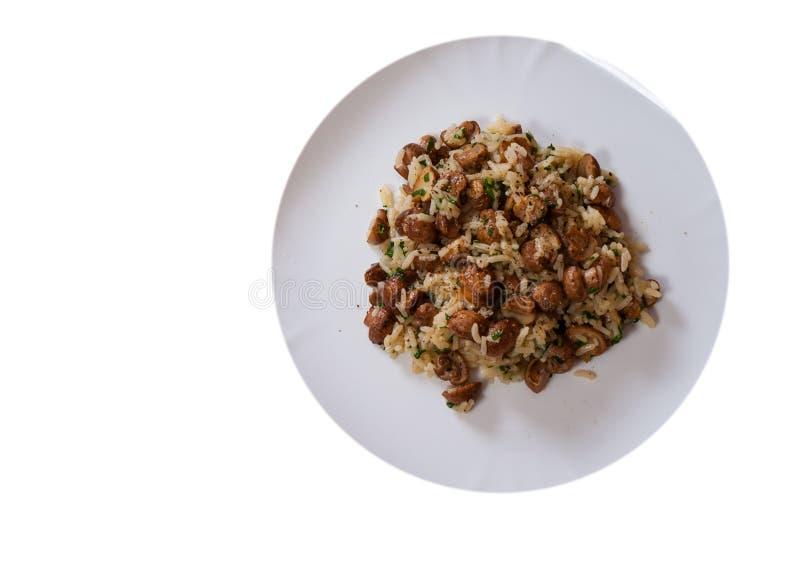 Download Reis Mit Pilzen Auf Platte Beschneidungspfad Eingeschlossen Stockfoto - Bild von nahrung, frische: 96930466