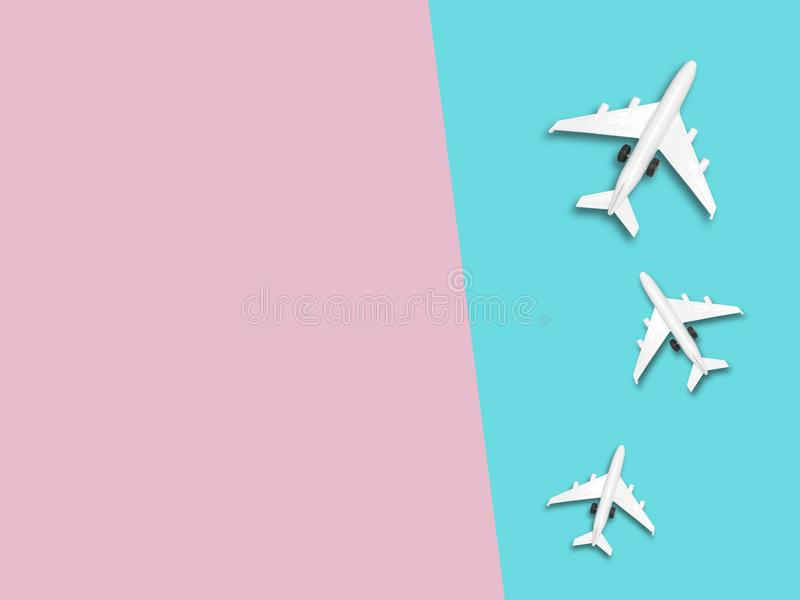 Reis rond de wereld voor uw kleurrijk leven Geniet van de grappige reisreis De hoogste mening voor exemplaar plaatst één of ander stock fotografie