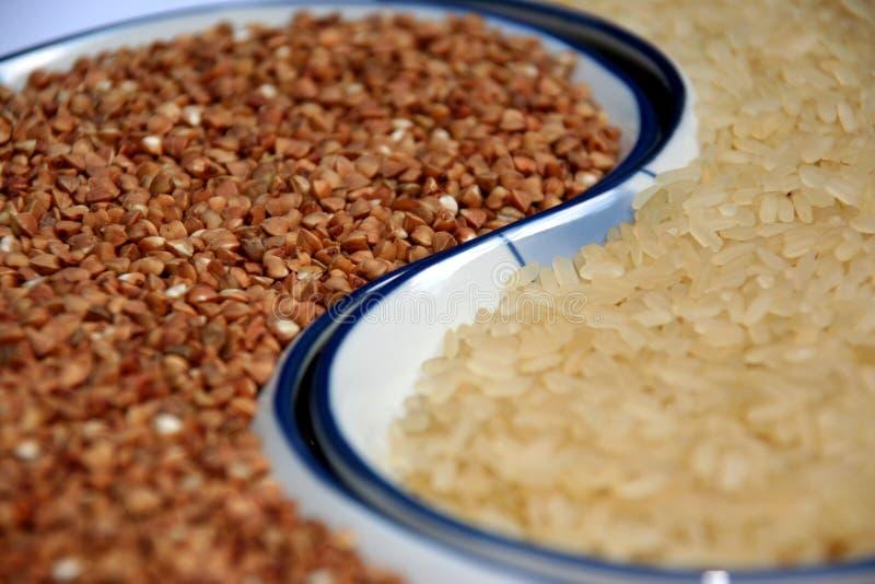 Reis und Buchweizen lizenzfreies stockbild