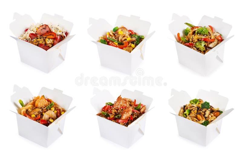 Reis und Nudeln in den Kästen lizenzfreies stockbild