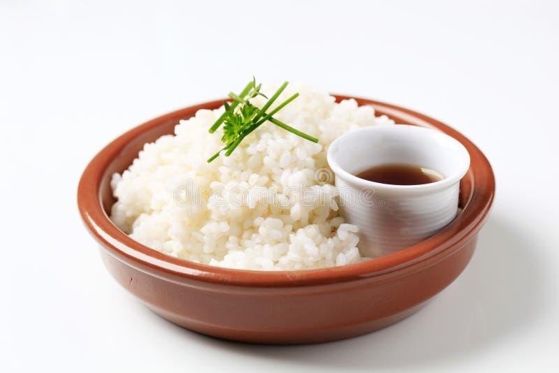 Reis und Sojasoße stockfoto