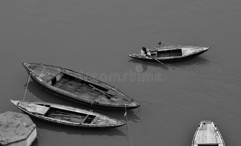 Reisboot in Varanasi, India stock afbeelding