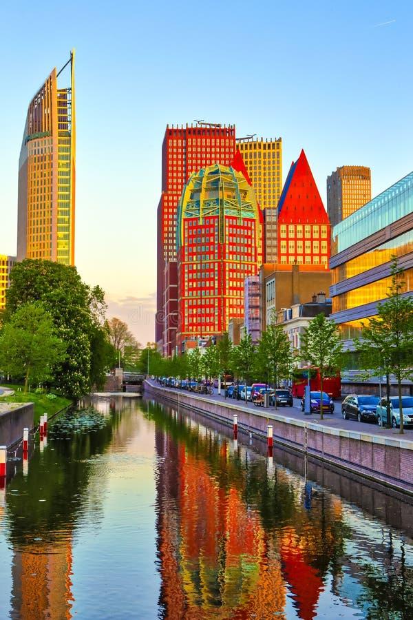 Reise-Konzepte Skyline von Den Haag in den Niederlanden lizenzfreie stockfotos