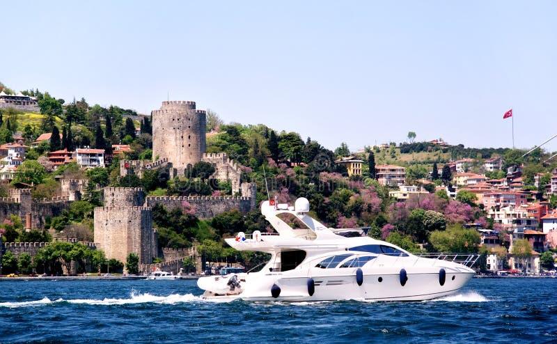 Reiseflug auf Bosporus lizenzfreies stockfoto