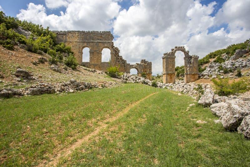 Reisekonzeptfoto Historische alte Stadt Uzuncaburc Mersin/die Türkei stockfotos