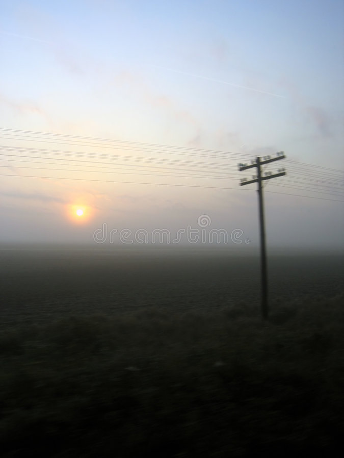 Download Reisen stockbild. Bild von wolken, seite, früh, dunkel, straßen - 44793