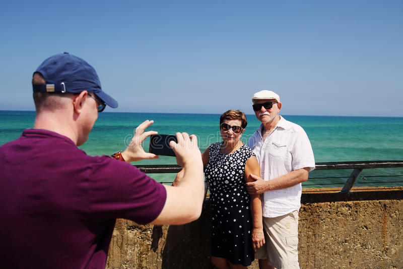 Reisende ältere Paare stockfoto