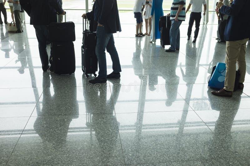 Reisendschattenbilder am Flughafen Konzept von Geschäftsleuten stockbilder