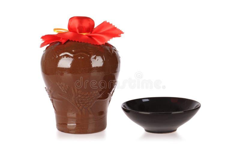 Reisweinglas mit keramischer Schüssel lizenzfreie stockfotografie
