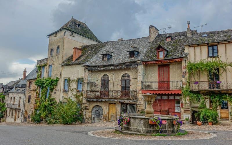 Reizend französisches Dorf stockfoto