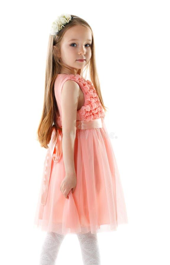 Reizend Kleines Mädchen Im Rosa Kleid Und In Der Kante Stockfoto ...