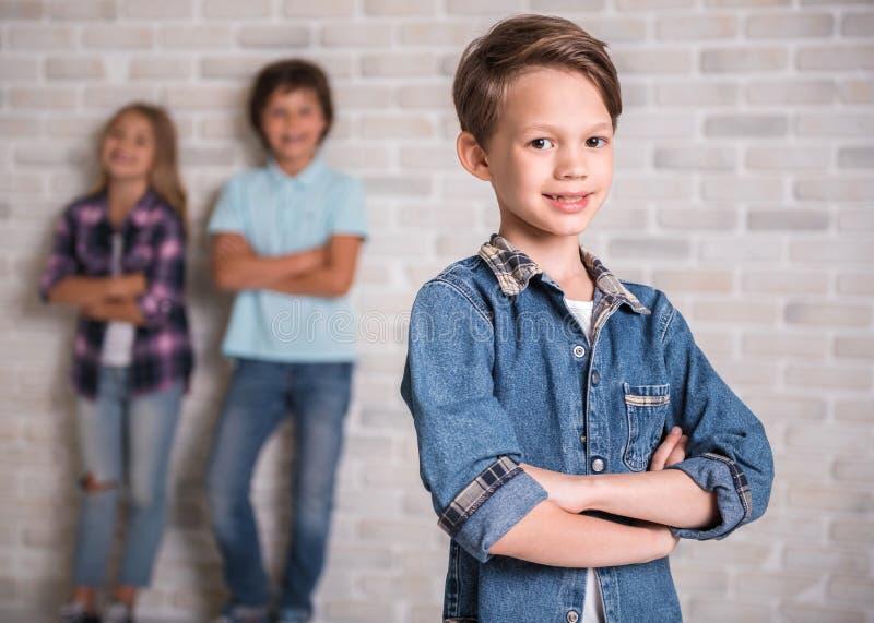 Reizend und nette Kinder lizenzfreies stockbild