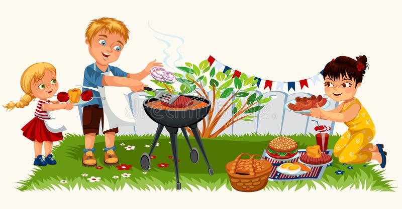 Reizende freundliche Familie, die nettes Picknick im Garten hat lizenzfreie abbildung