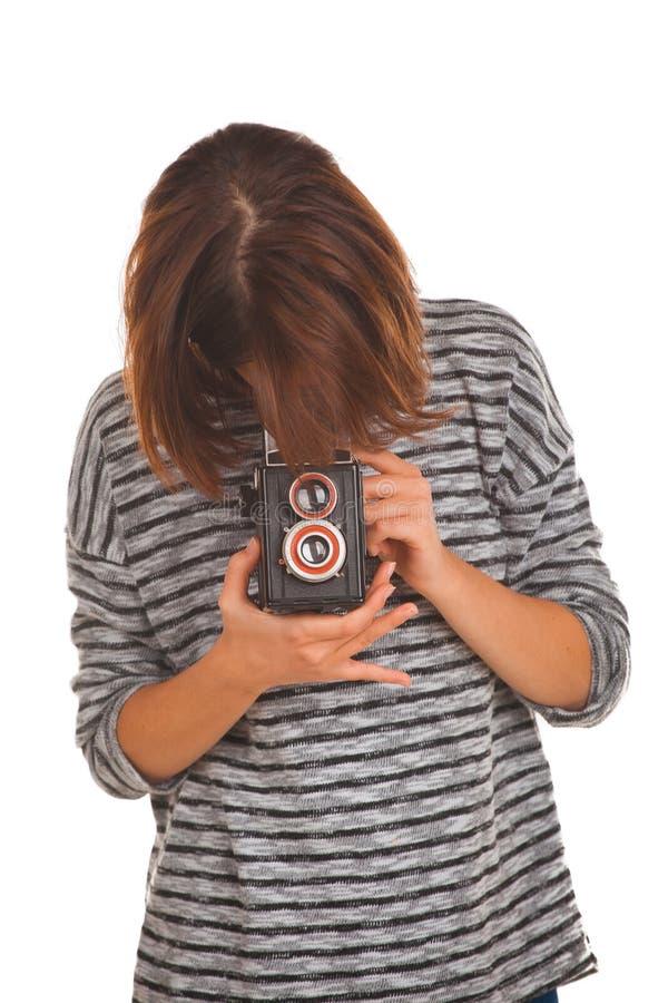 Reizende Jugendliche mit Retro- Fotokamera stockbild