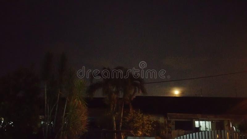 Reizender Mond lizenzfreies stockfoto