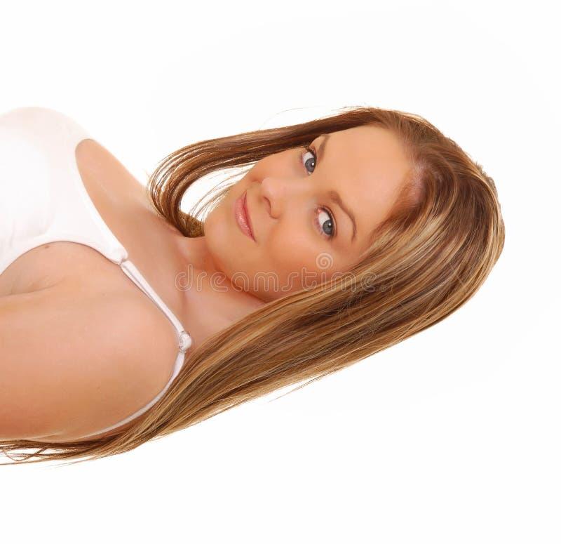 Reizendes Brunette-Mädchen stockfoto