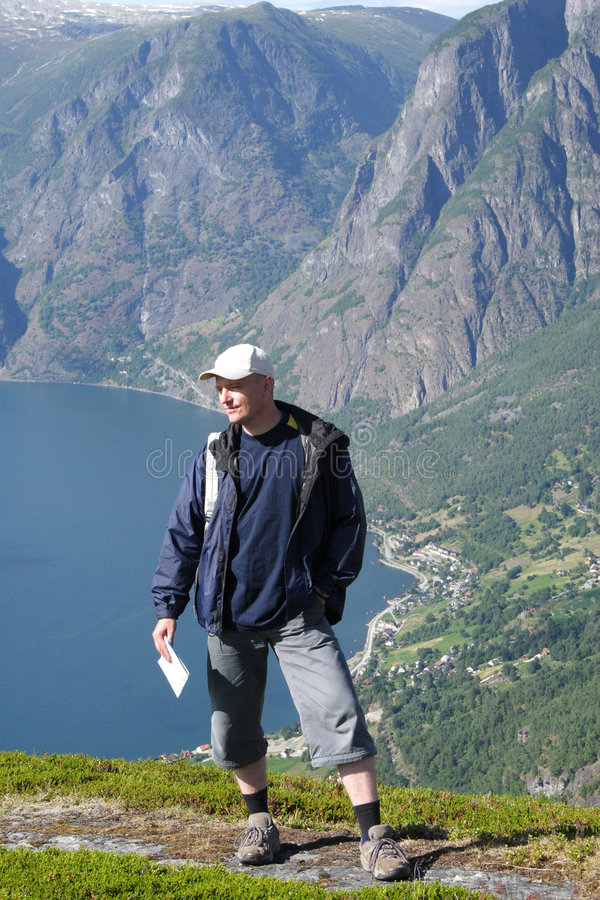 Reiziger in de bergen royalty-vrije stock foto