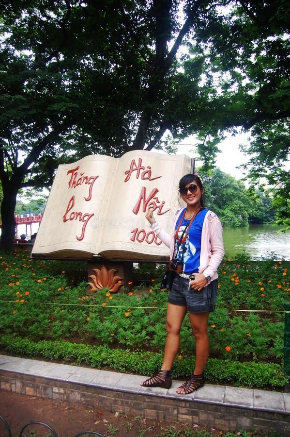 Reiziger met Thang Lang in Hanoi royalty-vrije stock fotografie
