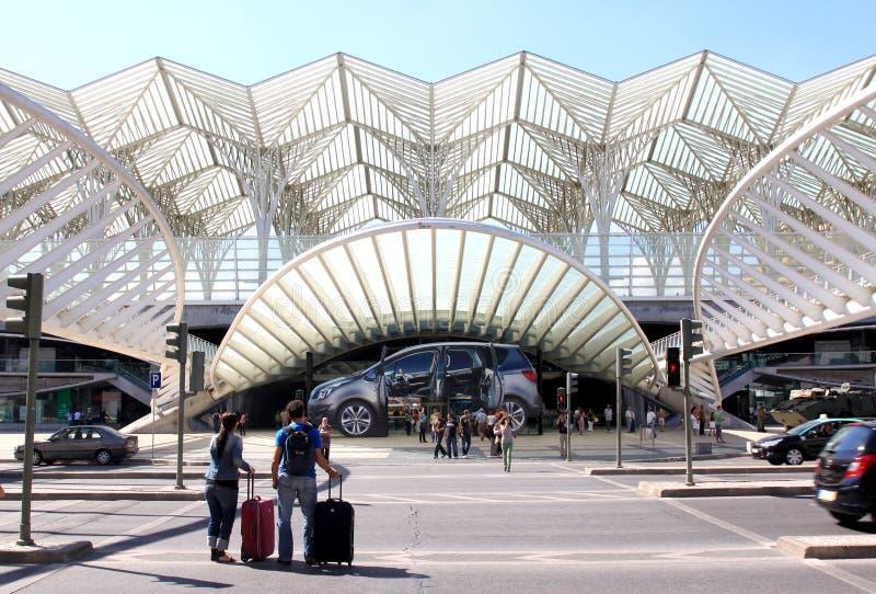 Reizigers dichtbij Gama van Centro Vasco DA, Lissabon royalty-vrije stock afbeelding