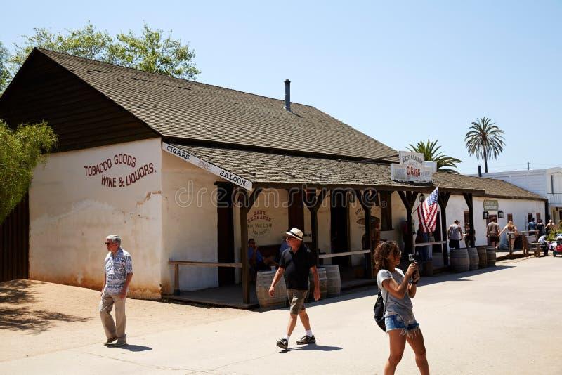 Reizigers en de historische bouw, San Diego stock foto's