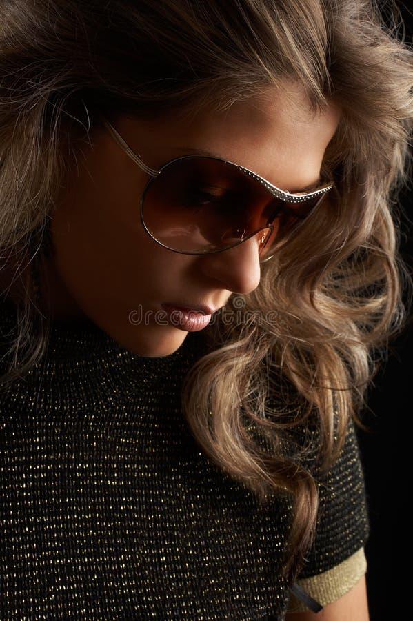 Reizvolle Frau stockfoto