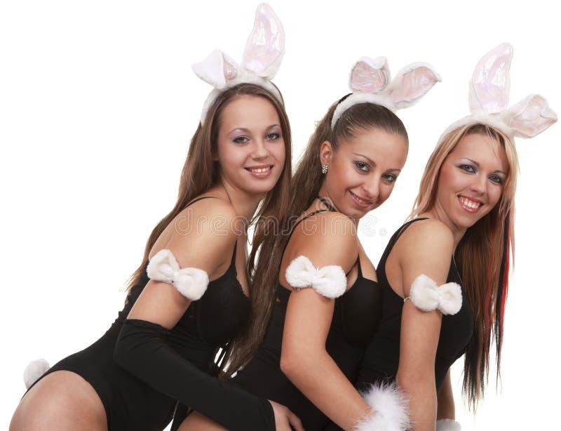 Reizvolle playgirls im Häschenkostüm lizenzfreie stockbilder