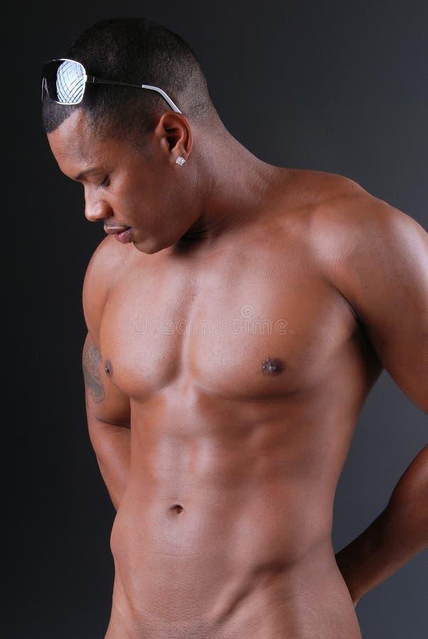 Reizvoller schwarzer Mann. stockbilder