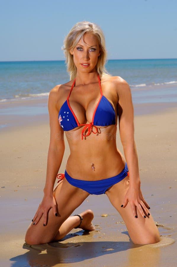 Reizvolles Bikini-Mädchen stockbilder