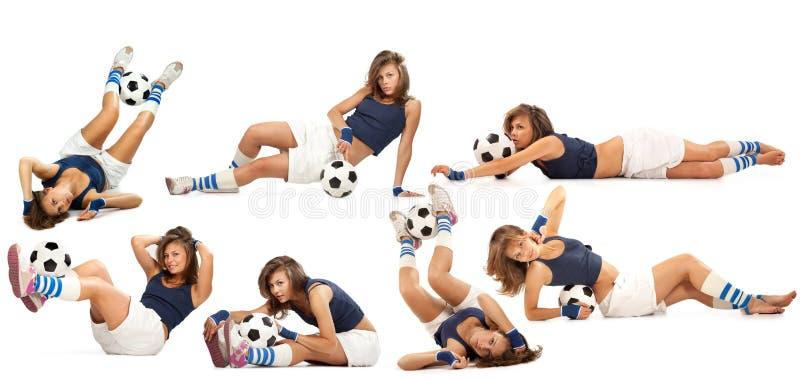 Reizvolles Mädchen mit Fußballkugel stockbilder