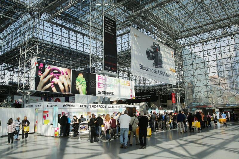 Rejestracyjny teren przy Photoplus expo i konferencją fotografia stock