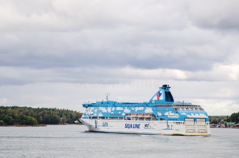 Rejsu łódkowaty statek blisko Aland zdjęcia royalty free