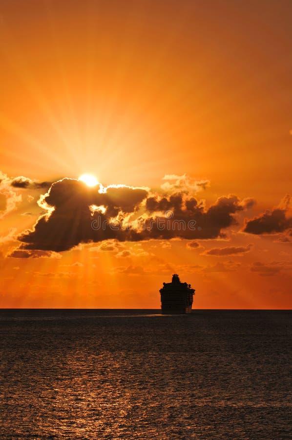 rejsu żeglowania statku zmierzch zdjęcie royalty free