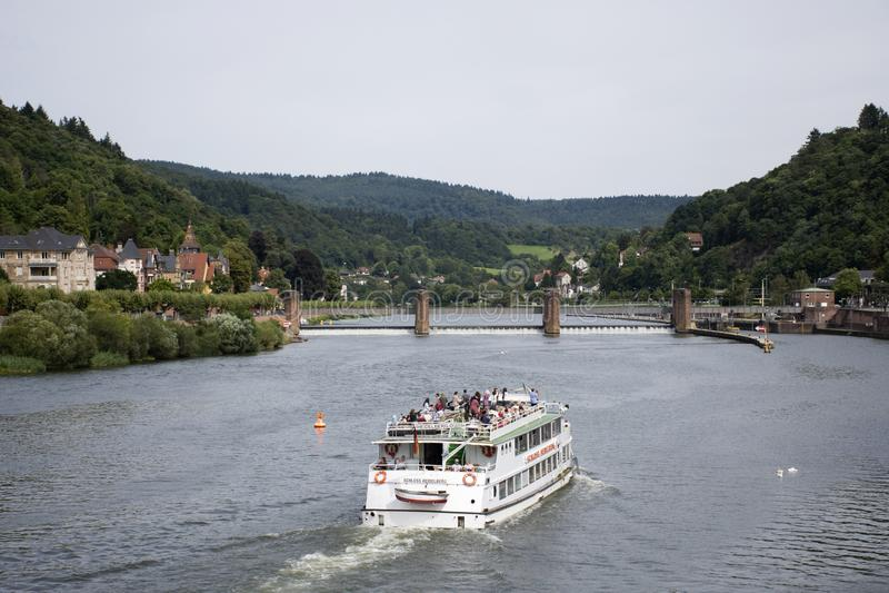 Rejsy jedzie w Rhine i Neckar rzece w Heidelberg, Niemcy obraz royalty free