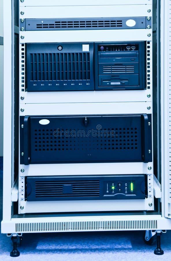 Rek met computers stock fotografie