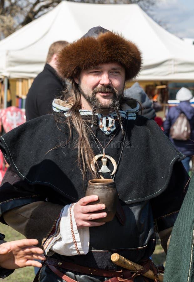 Rekawka - Poolse die traditie, in Krakau op Dinsdag na Pasen wordt gevierd royalty-vrije stock afbeelding