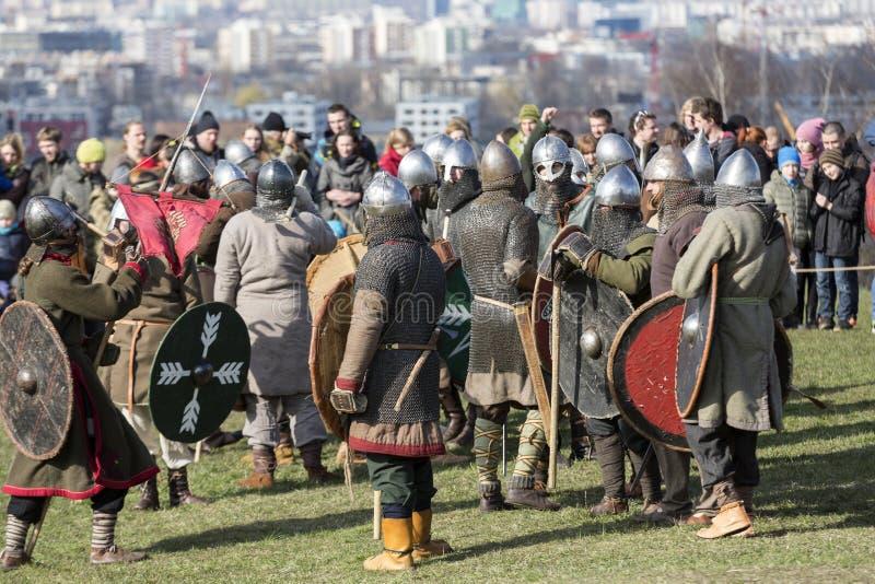 Rekawka - Poolse die traditie, in Krakau op Dinsdag na Pasen wordt gevierd royalty-vrije stock foto's