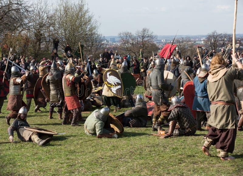 Rekawka - Poolse die traditie, in Krakau op Dinsdag na Pasen wordt gevierd stock afbeeldingen