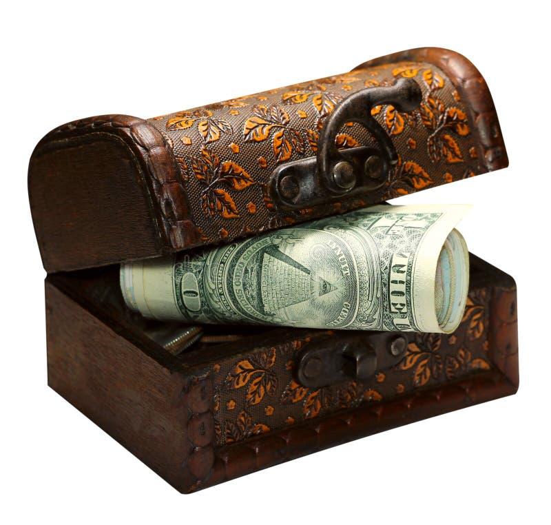 Rekeningendollars en in houten die doos, economieconcept van geldbesparingen van een bevolking van mensen, op witte achtergrond w royalty-vrije stock foto's