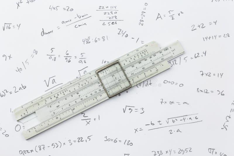Rekenliniaal en berekeningen royalty-vrije stock afbeelding
