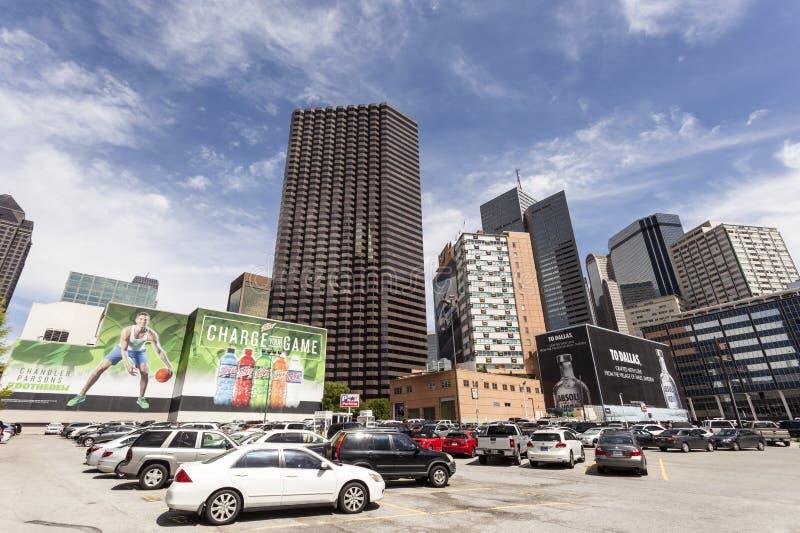 Reklamfilmer i i stadens centrum Dallas, USA royaltyfri foto