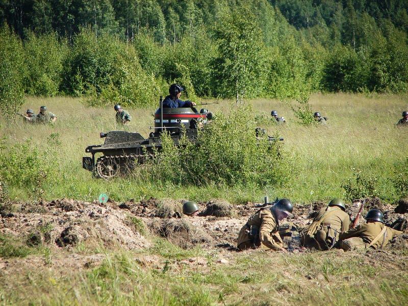 Rekonstruktion av striden på vägen till Moskva under världskrig 2 i den Kaluga regionen i Ryssland arkivfoton
