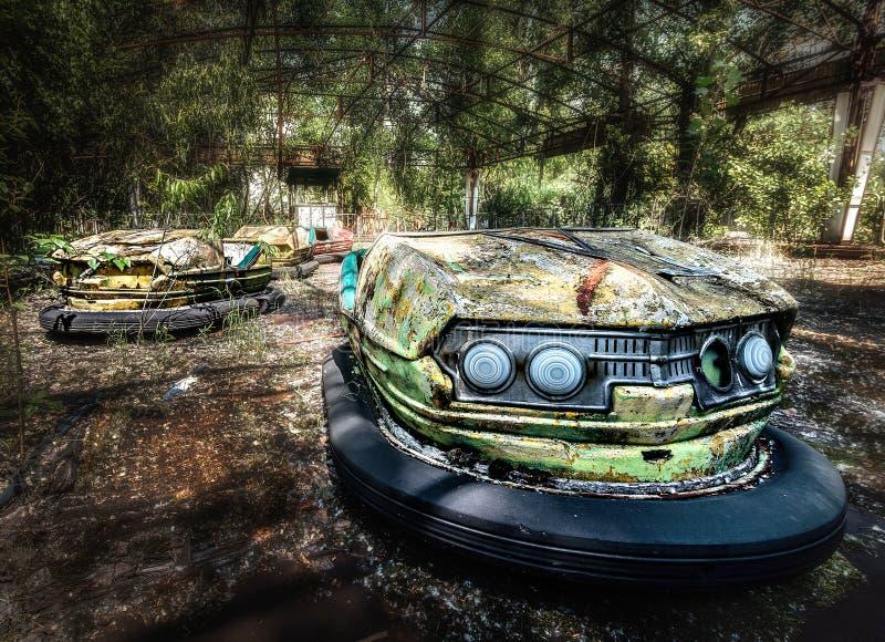 Rekordowi samochody przy Pripyat funfair blisko Chernobyl zdjęcie royalty free
